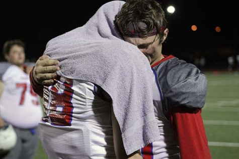 Varsity football loses final game, misses playoffs