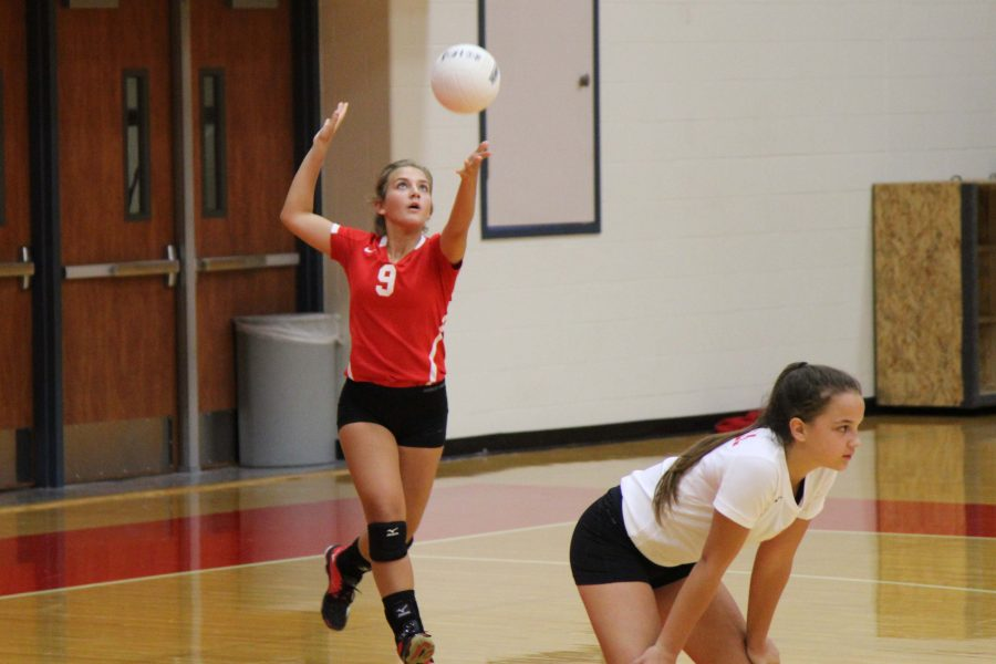 JV holds off Klein in volleyball; varsity falls
