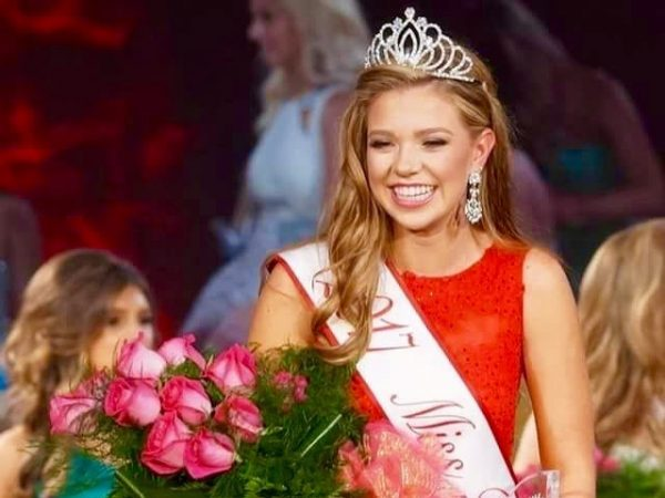 Hall honored with Miss Tomball crown