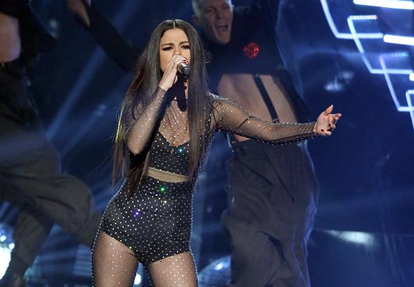LOS ANGELES, CA - NOVEMBER 22:   Selena Gomez performs onstage at the 2015 American Music Awards at Microsoft Theater on November 22, 2015 in Los Angeles, California.  (Photo by Michael Tran/FilmMagic)