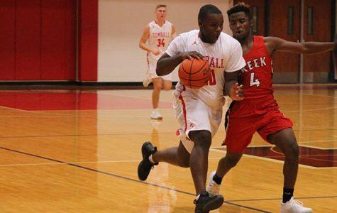Basketball tops Brenham, beat by Huntsville
