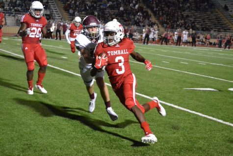 Coogs roll past Willis, Memorial