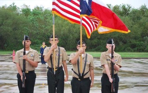 Coogs kick off long weekend with Patriotic Show
