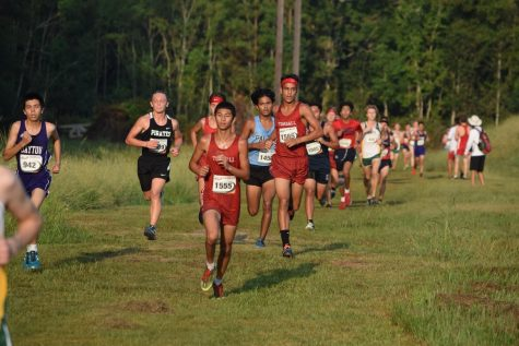 Cross Country team at race.
