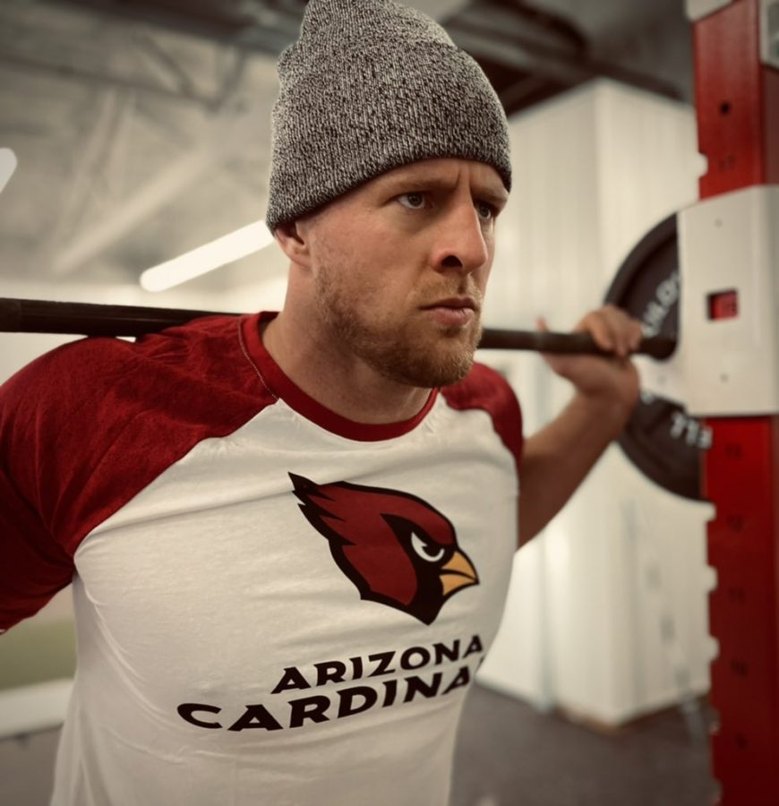 JJ+Watt+announced+the+news+with+this+photo+he+posted+to+Twitter.