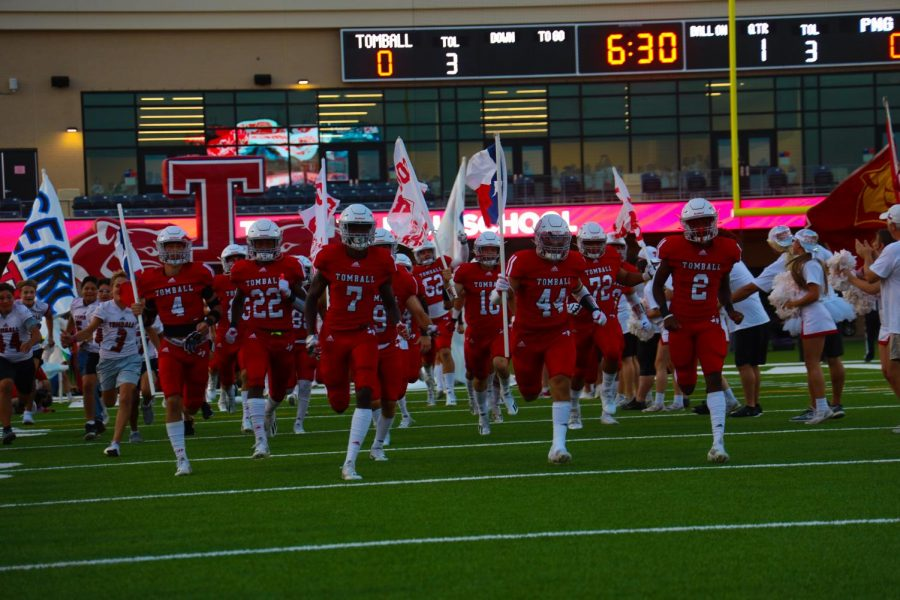 The Cougars will take the field tonight with an undefeated record of 3-0.
